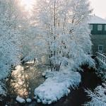 Paysage-de-neige-et-la-Maison-de-la-riviere-3